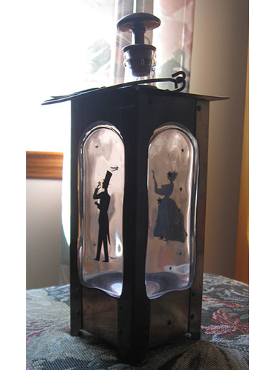 Liquor decanter music box